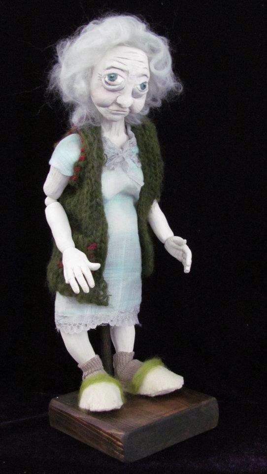Doll art by Cavide Yukseler #cavideninkadınları #seramik #artdoll #woman #crazy #ceramicfigure ##oldwoman #cavideyükseler #design #art #ceramic