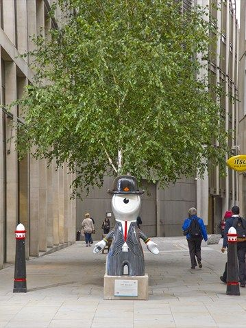 Wenlock as a city business man- ready for a day in the office.  so close to my old flat
