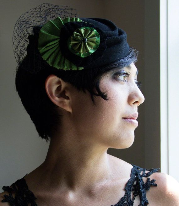 Black fur felt fascinator with green ribbon work by Ceci Leibovitz Millinery. #millinery #hat