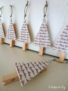 How great! And really, you wouldn't even need hooks for these ornaments. You could just clip to the branches.