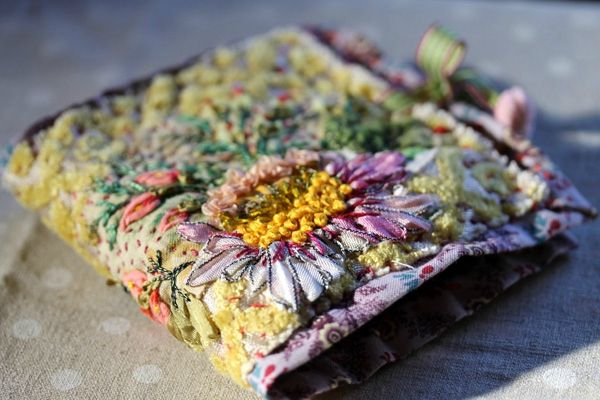 ♒ Enchanting Embroidery ♒ embroidered book cover - facile cecile