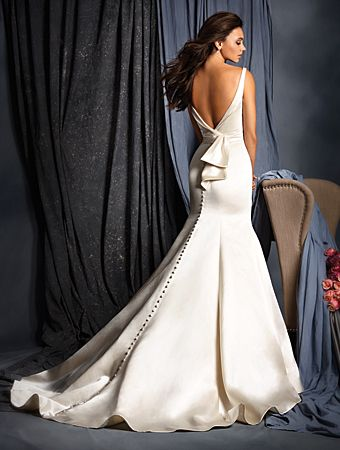 Alfred Angelo 2509, $750 Size: 10 | New (Un-Altered) Wedding Dresses