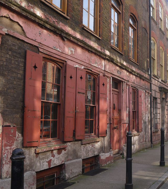 An Eating London Walking Tour of East London with Eating London Tours