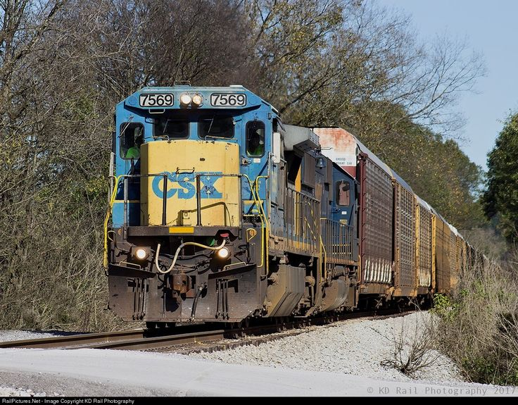 RailPictures.Net Photo: CSX 7569 CSX Transportation (CSXT) GE C40-8 (Dash 8-40C) at Chattanooga, Tennessee by KD Rail Photography