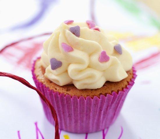 Aardbeiencupcakes met suikerhartjes