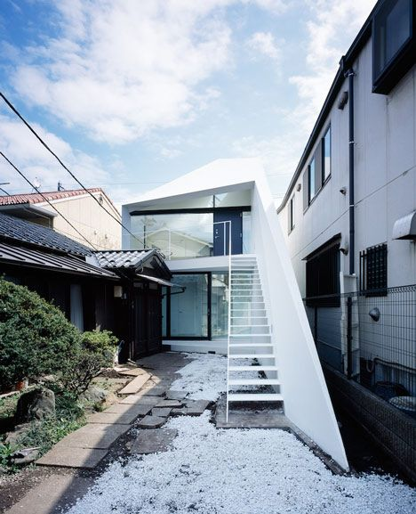 Arrow by Apollo Architects & Associates; A house and photography studio located in Tokyo, Japan