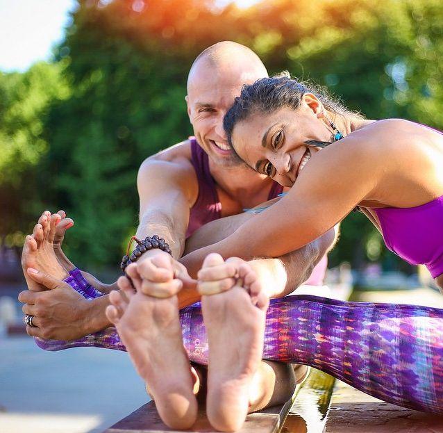 5 minutes with Nomadic ACROVINYASA Yogi's, Honza and Claudine Lafond <3 #yoga #inspiration