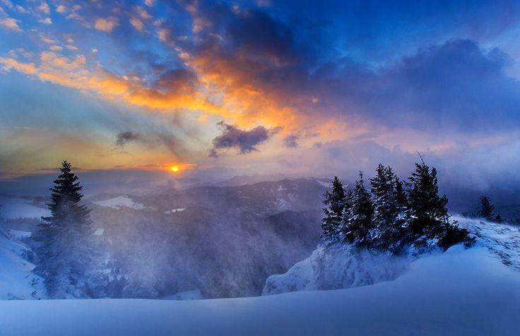 Amazing Bukovina, Romania Photo: Sorin Onisor pic.twitter.com/f3B9HQaO5o