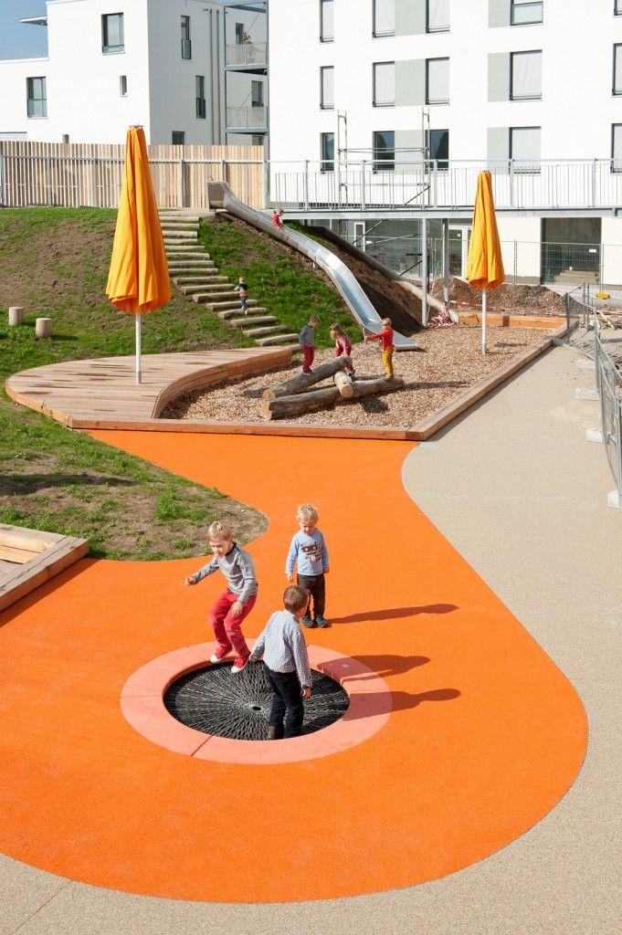 Le Pamphlet | Place publique et garderie à la Schwetzinger Terrasse à Heidelberg en Allemagne
