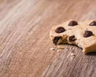 Biscuits au chocolat, petit épeautre et stévia, sans beurre ni huile : http://www.fourchette-et-bikini.fr/recettes/recettes-minceur/biscuits-au-chocolat-petit-epeautre-et-stevia-sans-beurre-ni-huile.html