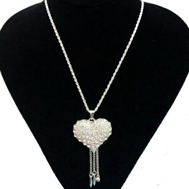 Saya menjual Heart Necklace seharga Rp70.000. Dapatkan produk ini hanya di Shopee! http://shopee.co.id/deventostore/2404901 #ShopeeID