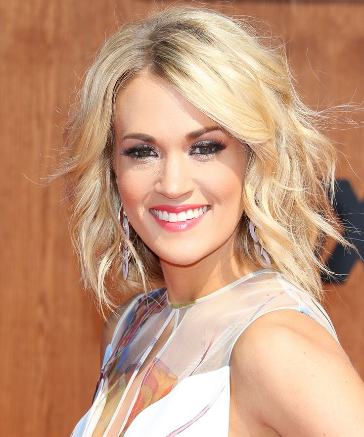 Carrie Underwood Goes Totally Makeup Free in Stunning Workout Selfie from InStyle.com