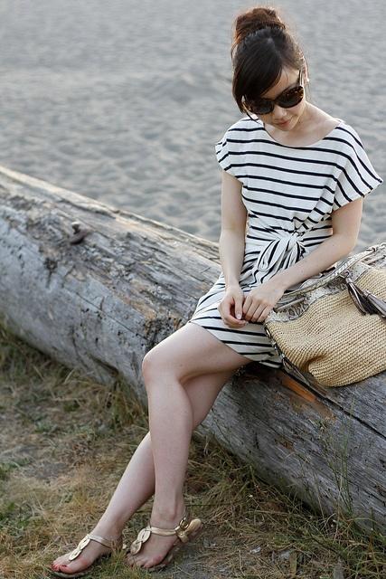 herwaisechoice: stripe dress perfect for the beach: Beaches, Summer Beachi, Summer Dresses, Simple Stripes, Stripes Dresses Perfect, Fashion Cont, Comfy Summer, Pretty Outfits, Beachi Outfits