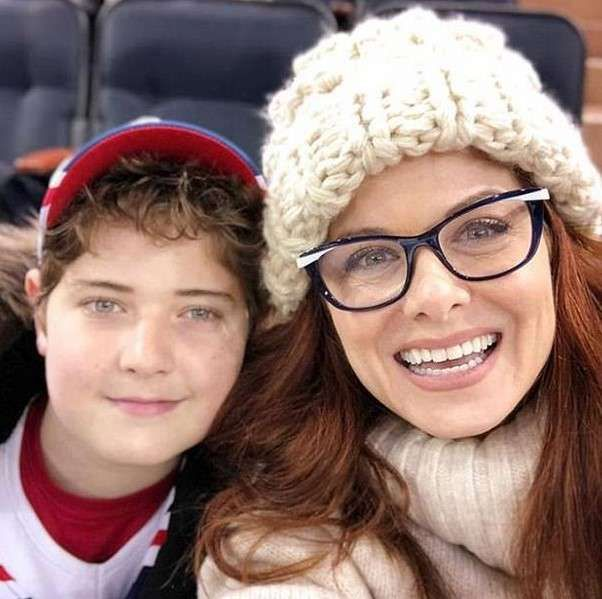 Debra Messing and her son Roman pictures,she brought to tears when...