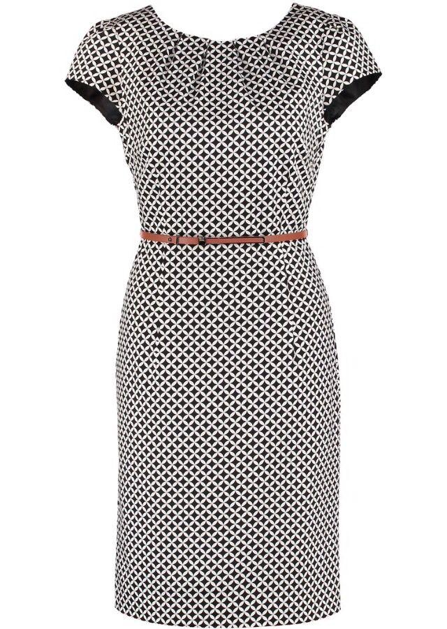 Zakelijke jurk van het merk Comma, via Zalando €129,95. Ook in het blauw verkrijgbaar.