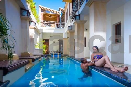 Casa Sanchez Boutique Hotel Santo Domingo Set in a historic building in Santo Domingos Colonial Zone, the adult-only Casa Sanchez is within 1 minutes walk of Conde Street. This boutique hotel has an outdoor pool, a rooftop hot tub and free WiFi in all areas.