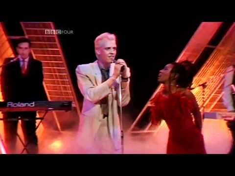 Heaven 17 - Temptation [Top Of The Pops]  ♫♥♪ Lead us not into temptation ♫♥♪