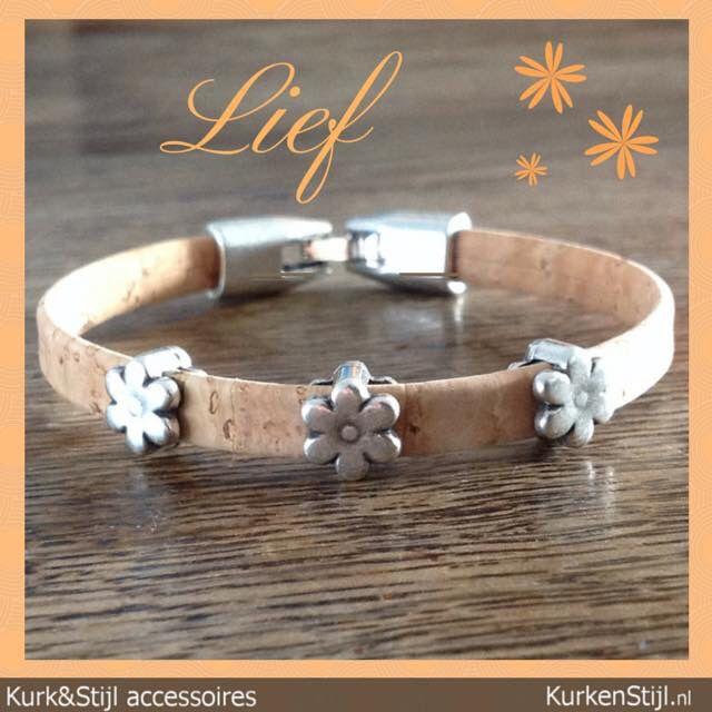 Armband van kurk met bloemen