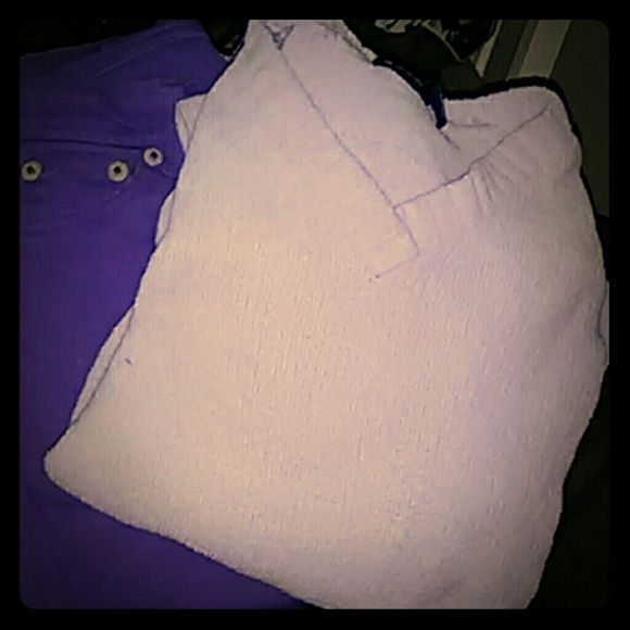 Women's/ Junior's outfit Size 3 jeans, ( lavender small Basic Editions sweater v-neck Blue Asphalt Sweaters Crew & Scoop Necks