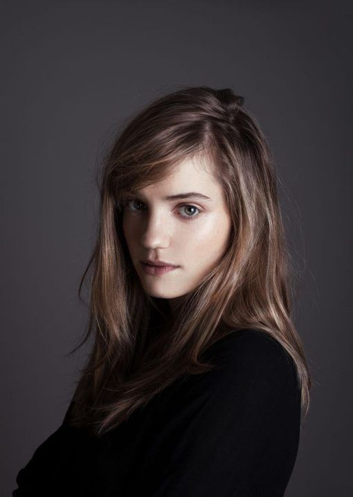 Noémie Schmidt named as the face of upcoming Rochas fragrance - News : Media…