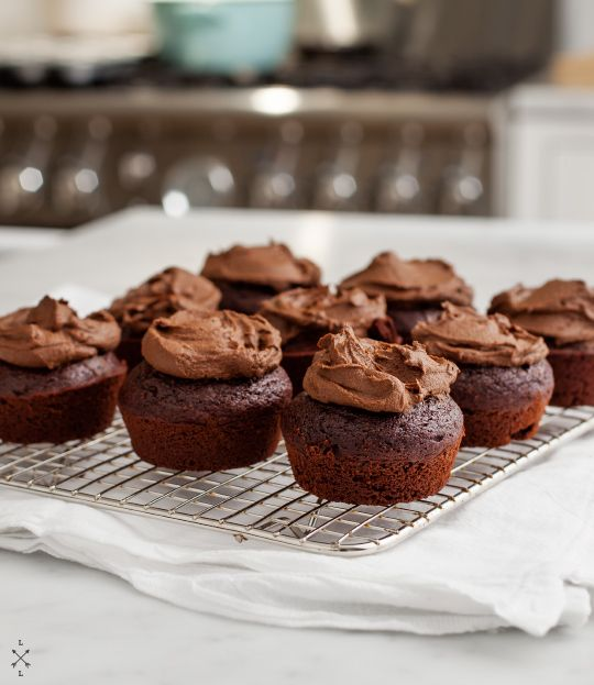 Vegan chocolate cupcakes w/ a surprise ingredient frosting