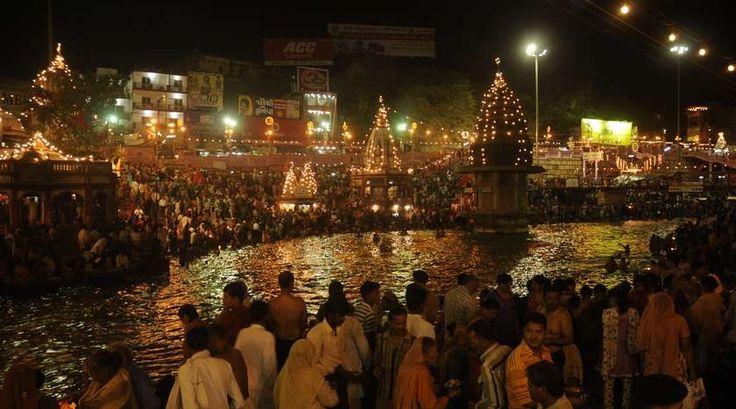 """Dance Valley maar dan anders   """"Als je tijdens jouw trip naar Verweggistan een festival kunt bezoeken, zou ik dat zeker doen! Mijn gaafste festival ooit is inmiddels al weer 3 jaar geleden; Kumbh Mela in India."""" Lees verder op www.reiskrantreporter.nl/reports/3468"""