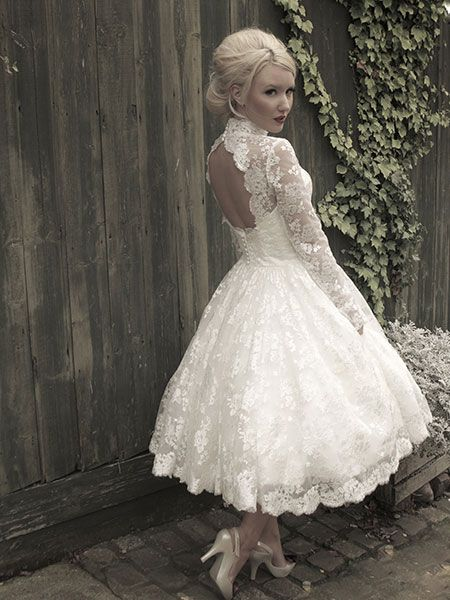 Designer wedding gowns | Ian Stuart | Enzoani lovely lace 50's style L x | when I saw this dress I literally could not breath for a second... <3