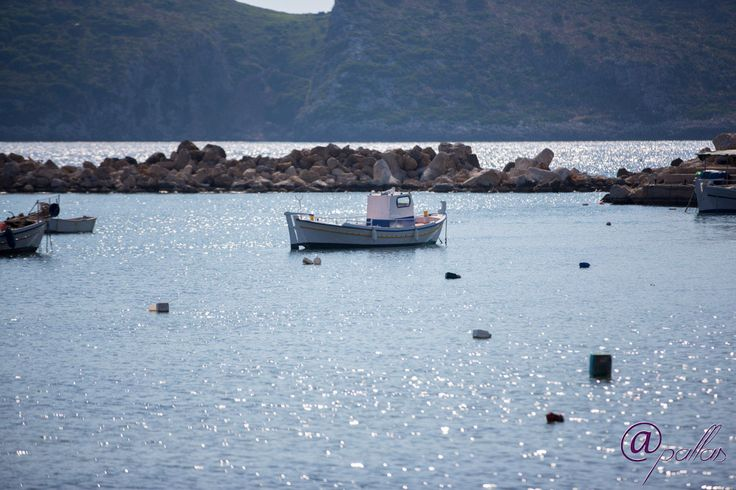 Beautiful village by the sea. Next to Pylos and Costa Navarino. Marathos or Marathoupoli