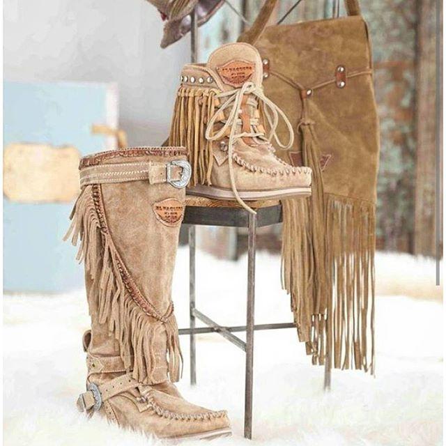El Vaquero Boots Italy photo: 1169025725488945282_356731013