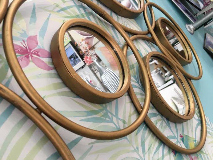 Las 25 mejores ideas sobre espejos dorados en pinterest for Espejos finos decorativos