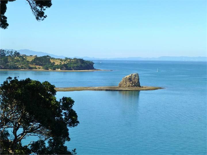 $150 p/n Luxury Hibiscus Coast Clifftop Apartment