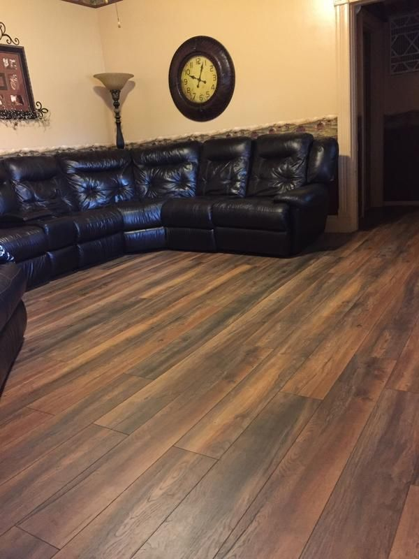Carefree maintenance, authentic look of hardwood! New Haven Harbor Oak – a Dream Home Laminate – features distinctive cocoa hues & sleek graining for a sophisticated look.