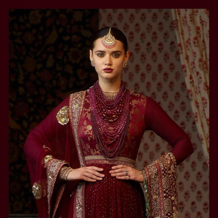 The Heritage Collection for Winter Mehendi and Sangeet. Vintage Benarasi kurta hand-embroidered with badla and zardosi and a tulle dupatta with glass bead tassels. The look is paired with a sumptuous layer of tourmaline beads paired with a stunning uncut diamond and spinel tikka from the Sabyasachi Jewelry collection. For all jewellery related queries, kindly contact sabyasachijewelry@sabyasachi.com #Sabyasachi #SabyasachiJewelry #TheWorldOfSabyasachi