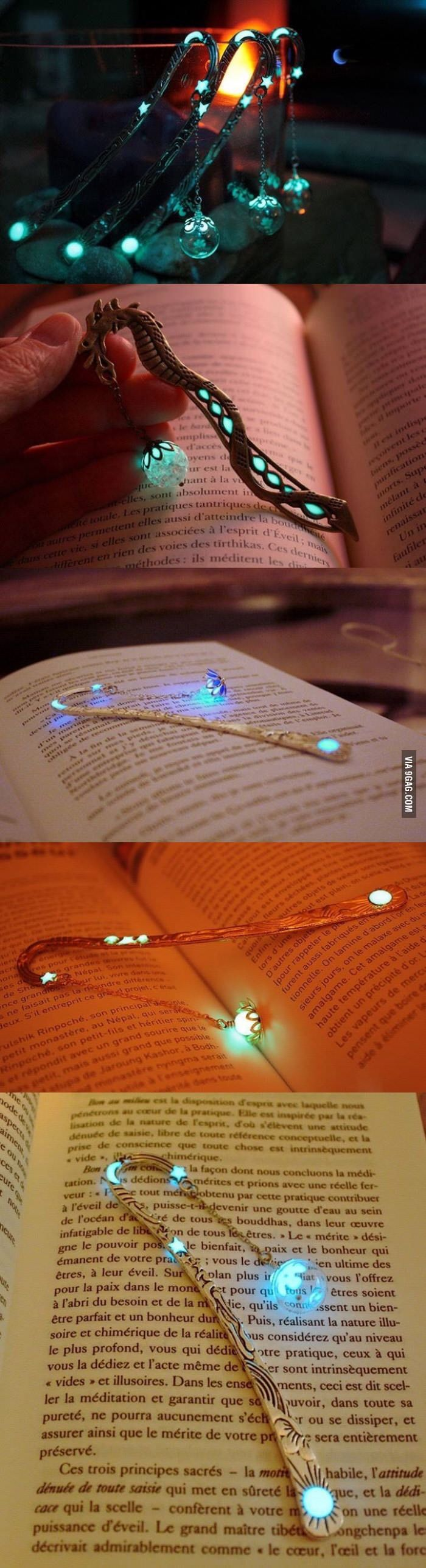 Glow-in-the-dark bookmarks that will certainly add a touch of magic to your reading (Manon Richard)
