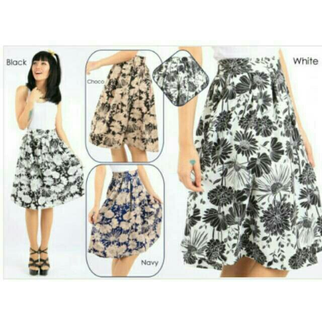Saya menjual Lathisa Flowery Twistcone Midi Skirt seharga Rp90.000. Dapatkan produk ini hanya di Shopee! https://shopee.co.id/deventostore/7129552 #ShopeeID