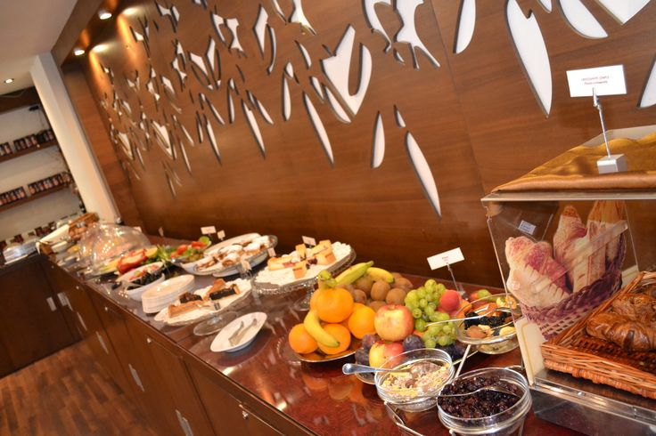 Choose to begin your day with a healthy breakfast at Phoenicia Comfort 4* Bucharest