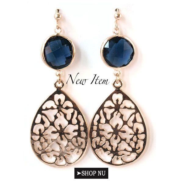 Deze leuke oorbellen staan nu online! #accessoires #oorbellen #earrings #blue #sieraden #boho #jewelry http://www.wenn-sieraden.nl/oorbellen-blauw