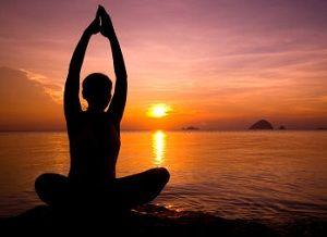 Veja alguns vídeos que vão ensinar você como aliviar os sintomas da TPM através de exercícios de ioga.