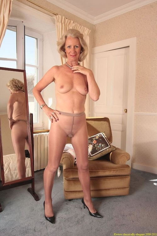 mature slip pantyhose pictures