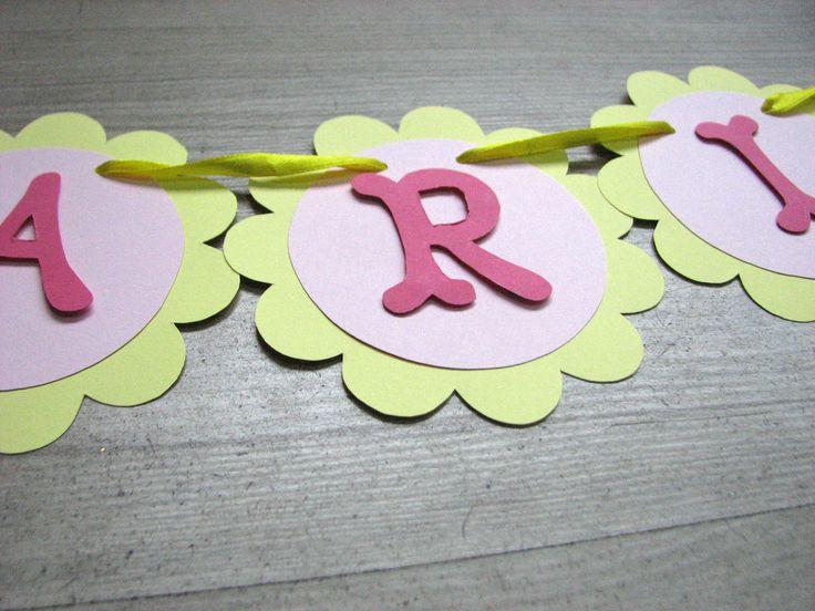 Ghirlanda numerealizata manual din carton colorat in forma de floricele  Dimensiunea unei litere este 9cm, pretul afisat este pentru o litera