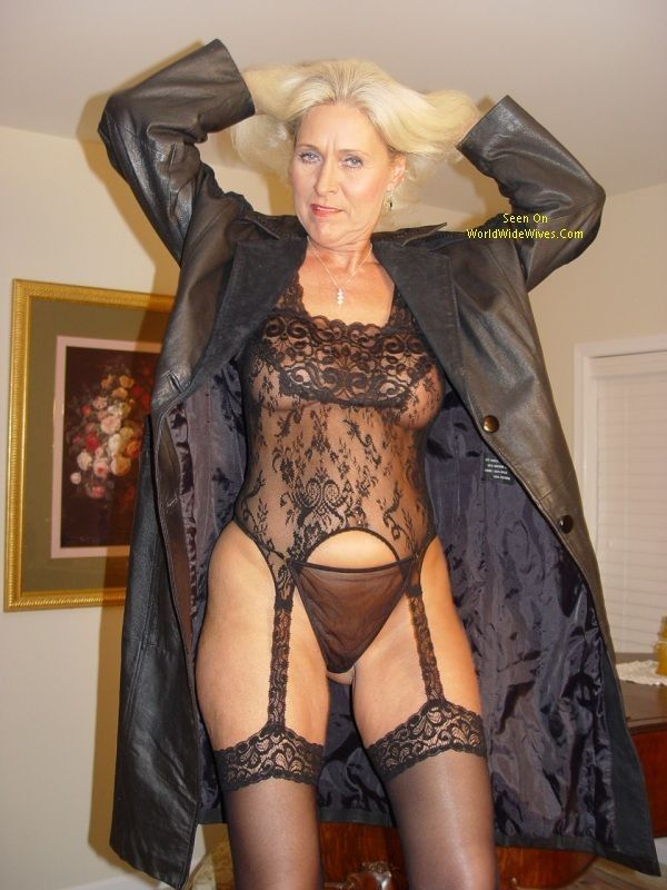 Mature dominatrix black — img 7