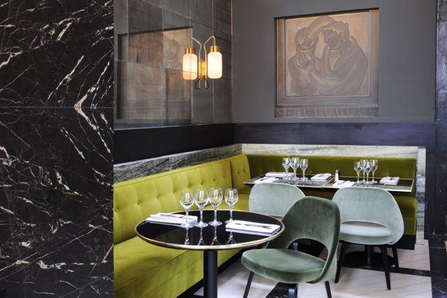 http://ribaut.blog.lemonde.fr/2013/05/28/monsieur-bleu-nouveau-restaurant-du-palais-de-tokyo-a-paris/