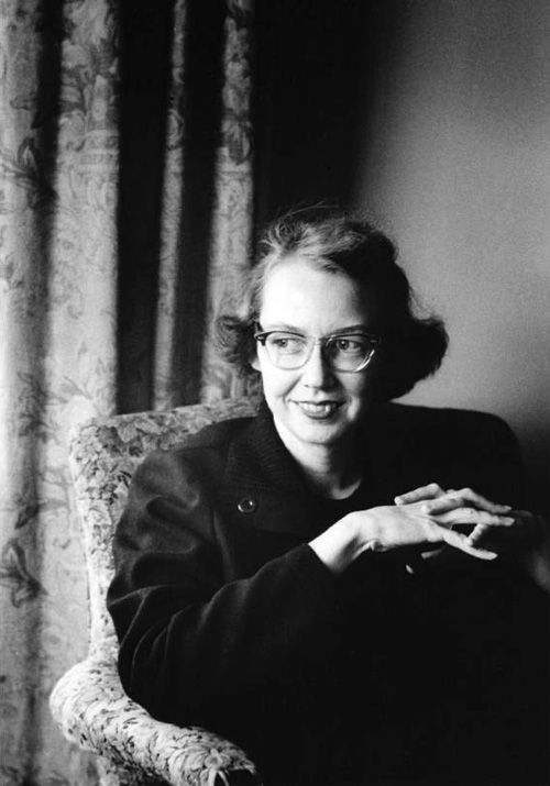 a biography of mary flannery oconnor Born mary flannery o'connor to edward francis and regina cline o'connor on march 25, 1925, in savannah, georgia, o'connor lived in that southern city until the great depression forced the family to seek job opportunities elsewhere.