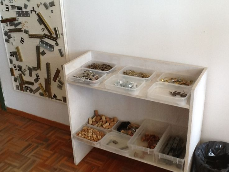 Magnetic board and loose metal parts.