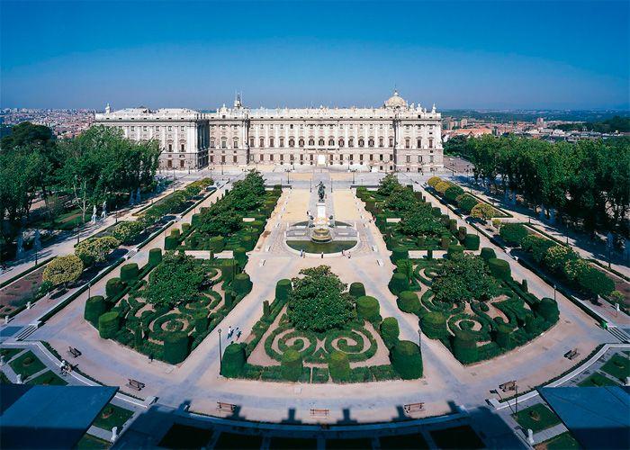 Vista aerea de la Plaza de Oriente en Madrid