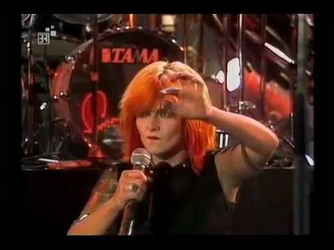 TOYAH LIVE BEAT CLUB 1982 - YouTube