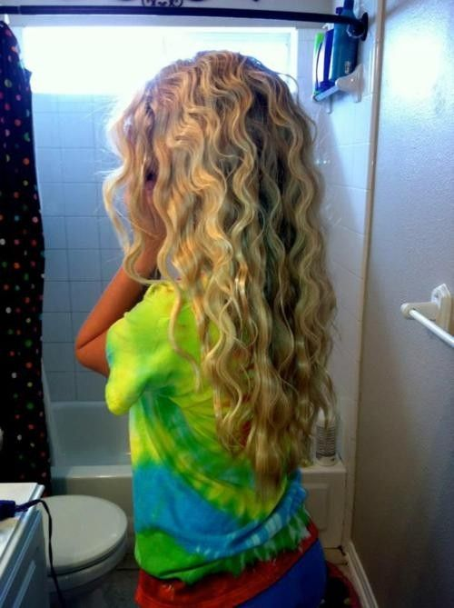 wet hair, 2 french braids, sleep on it.... It works