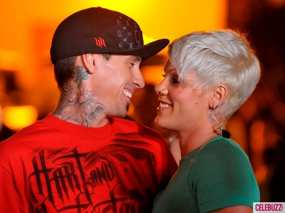 Pink and Hart! Beautiful couple!