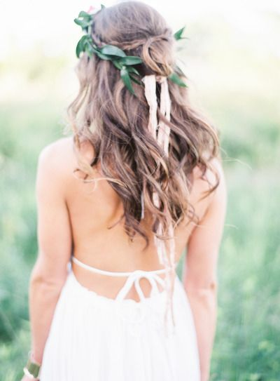 Boho everything: http://www.stylemepretty.com/2014/08/27/bohemian-inspired-field-wedding/ | Photography: Emily Jane - http://www.emilyjanephotography.org/