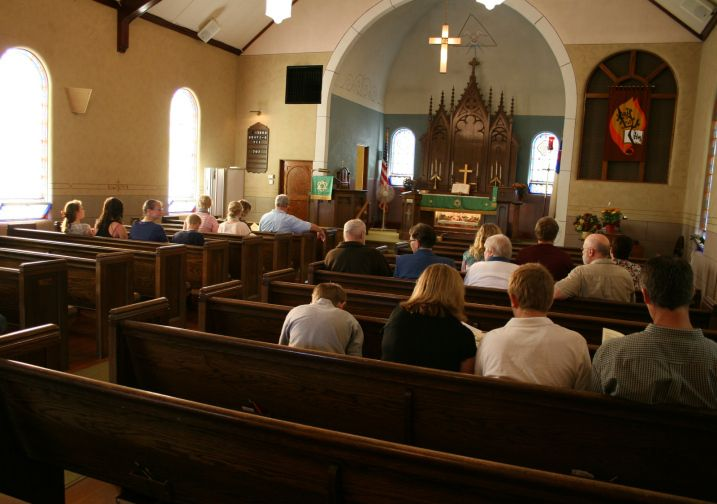 Small Church Sanctuary | Trinity Lutheran Church, a small country ...